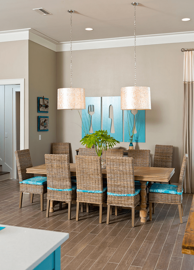 tan dining room with turquoise accents