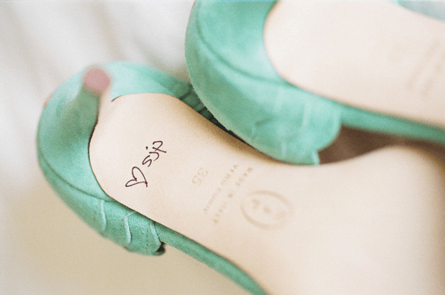 mint green shoes signed by sarah jessica parker