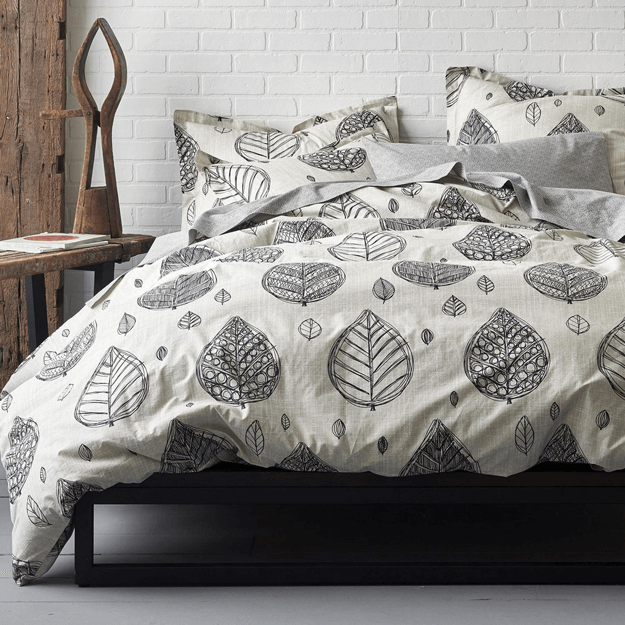 percale duvet cover with lef sketch print