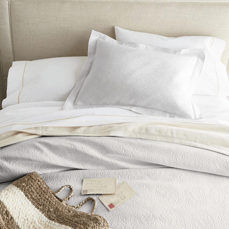 ivory and white bedding